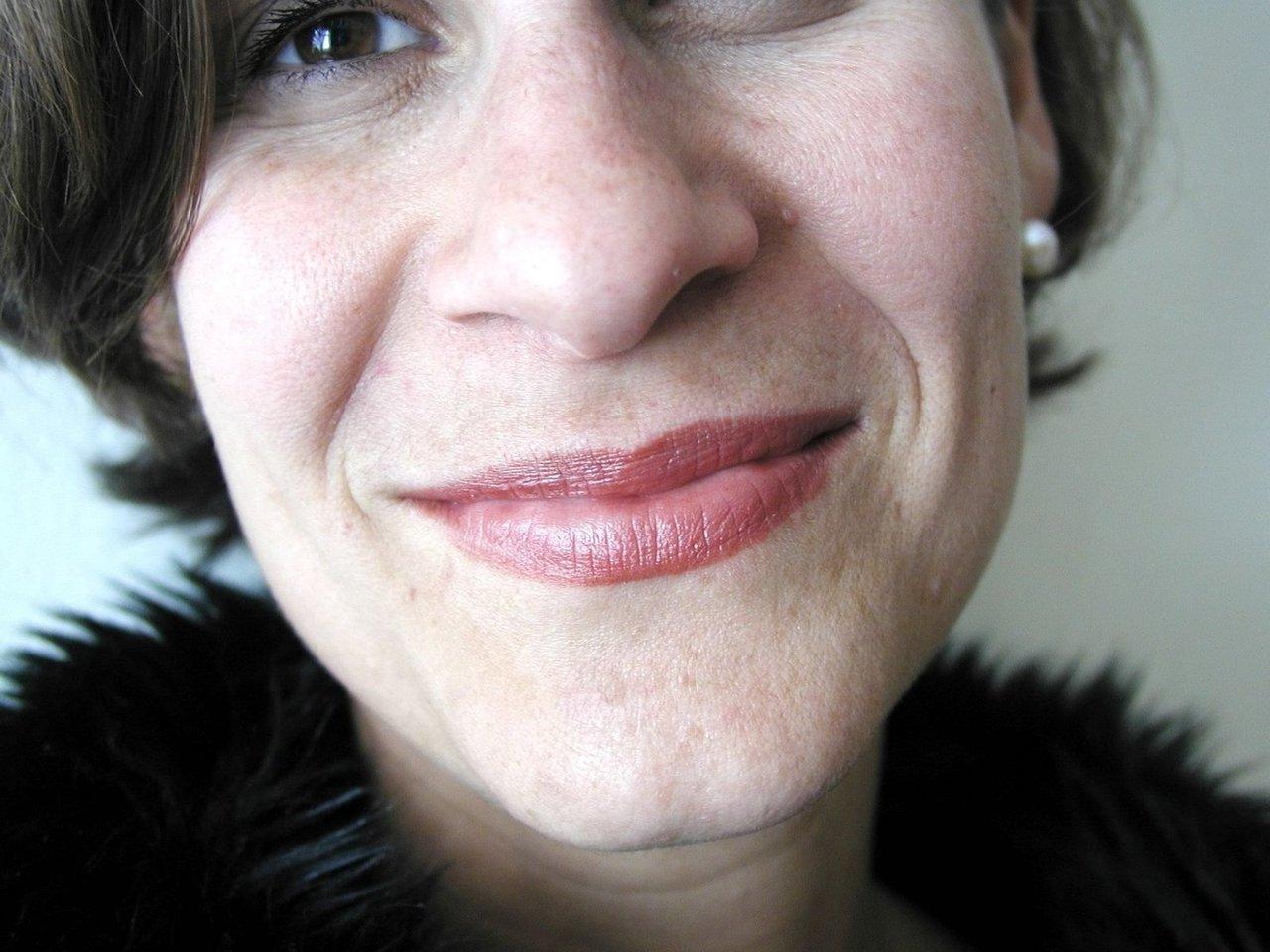 Skuteczne sposoby na zmarszczki wokół ust